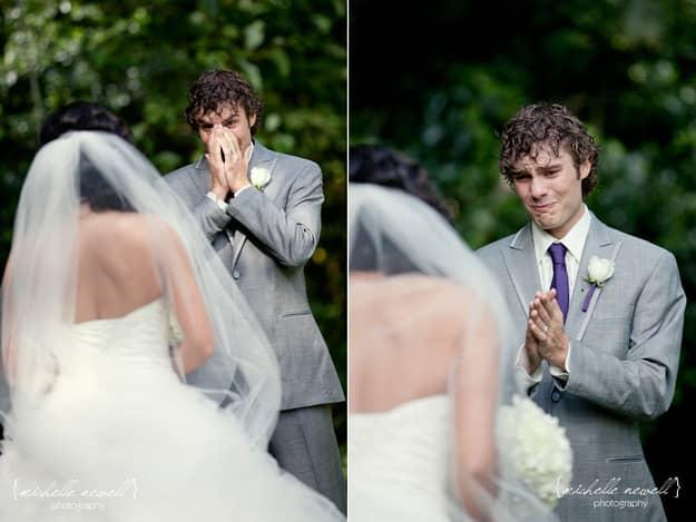 Homem também chora: 24 noivos emocionados ao verem suas noivas 27