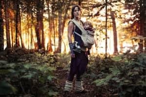 Fotógrafo retrata realidade secreta de grupo nômade com leis baseadas no amor 1
