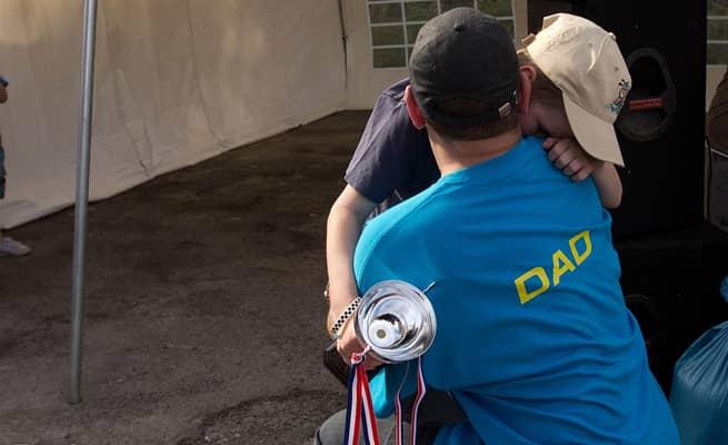 Pai realiza último desejo de filho ao reunir mais de 1.000 carros em encontro 1