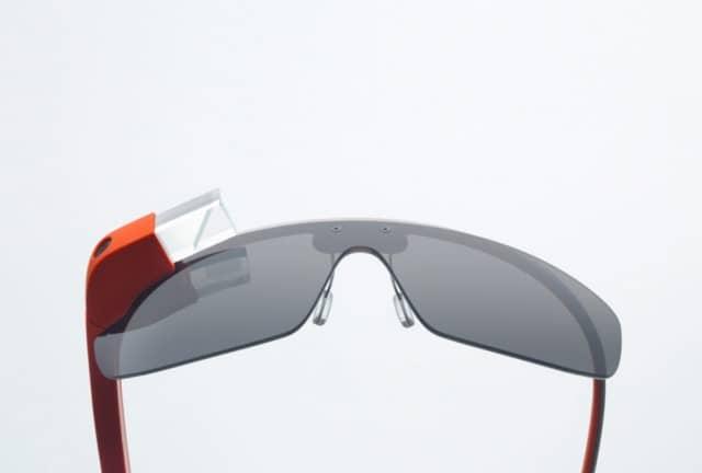 Vídeo filmado com o Google Glass mostra como funciona a interface dos óculos 3