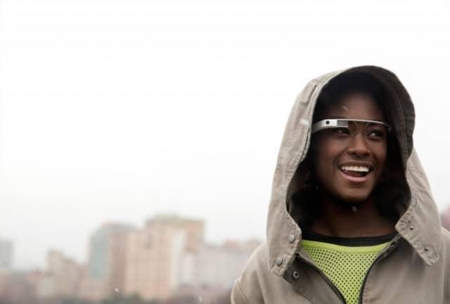 Vídeo filmado com o Google Glass mostra como funciona a interface dos óculos 11