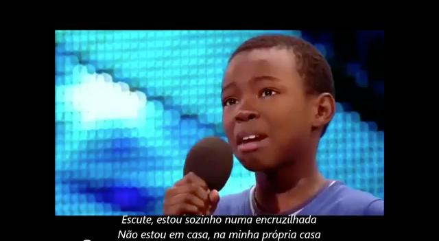 Mãe acalma filho durante audição do Britains Got Talent 5
