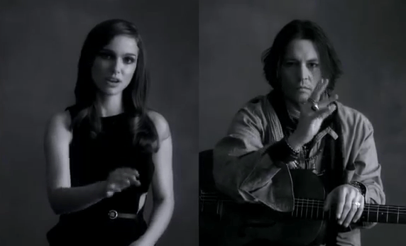 Natalie Portman e Johnny Depp interpretam música de Paul McCartney usando língua de sinais 5