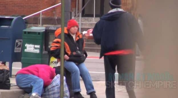 Pegadinha do bem: Homens pedem pizza e mandam entregar para moradores de rua 4