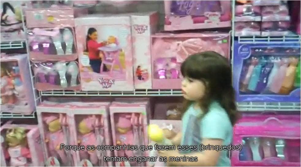 Menina questiona o sexismo da indústria de brinquedos 3