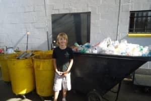 Menino de dez anos cria empresa de reciclagem e doa lucro para crianças sem-teto 1