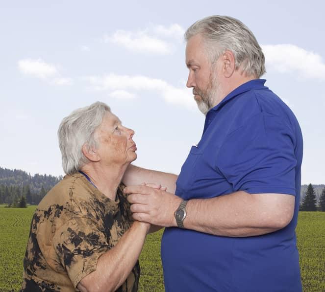 Fotógrafa registra a cumplicidade e a intimidade de casais idosos dançando 4