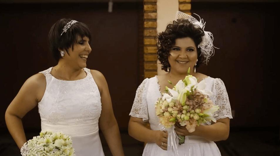 Mesmo com câncer, Fabi não adia o lindo casamento com Mari 11