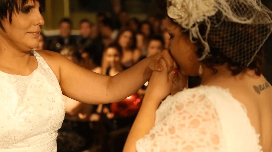 Mesmo com câncer, Fabi não adia o lindo casamento com Mari 8