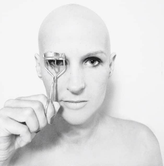 Ela criou página no Facebook para trocar ideias e motivar pacientes com câncer de mama 8