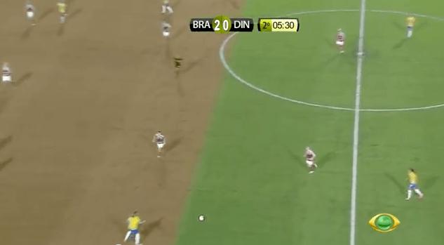 """WWF """"desmata"""" campo de futebol ao vivo durante jogo da Seleção Brasileira 5"""
