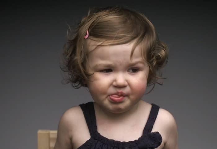 Vídeo mostra reação de crianças provando algumas comidas pela primeira vez 1