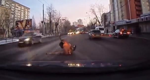 Compilação de atos de gentileza feito a desconhecidos, na Rússia 2