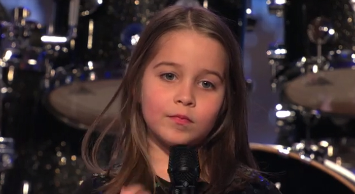 Parece uma princesa, mas surpreendeu os júris do America's Got Talent cantando metal! 3