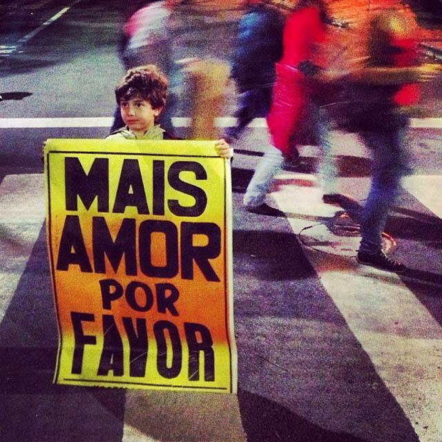 criancas-manifestacao-fe-no-brasileiro