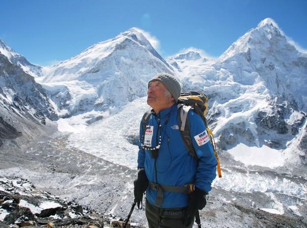 Aos 80, japonês com problemas cardíacos chega ao topo do Everest 1