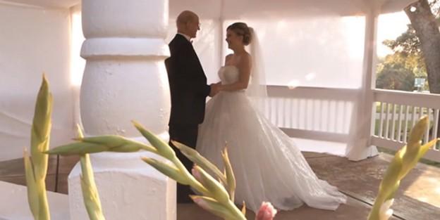 Filha realiza casamento fictício para dançar com pai com câncer terminal 1