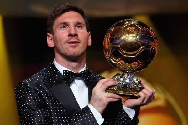 messi-picking-up-his-fourth-ballon-dor