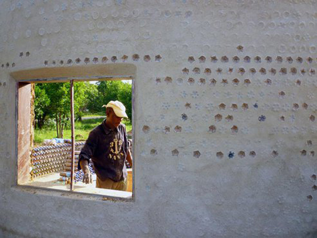 nigeria-plastic-bottle-house2.jpg.492x0_q85_crop-smart