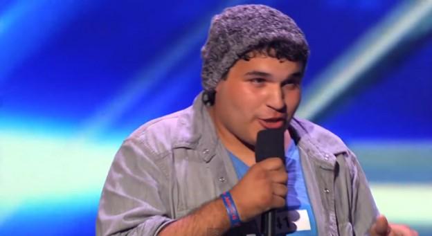 Rapaz com Síndrome de Tourette encanta e emociona no X Factor  2