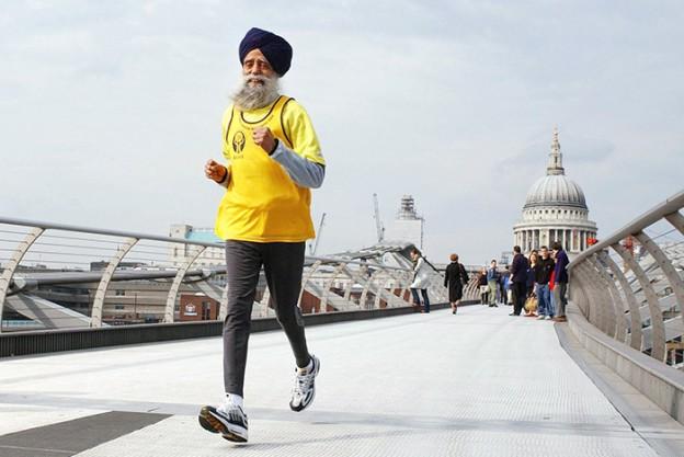 O maratonista de mais de 100 anos que coloca muito jovem no chinelo 2