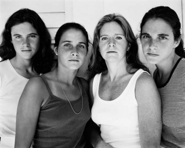 Irmãs tiram fotos juntas desde 1975 2