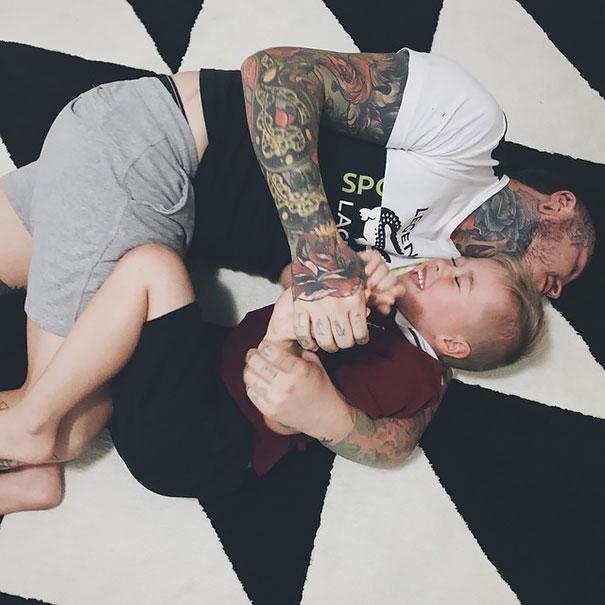 family-tattooed-parents-children-05