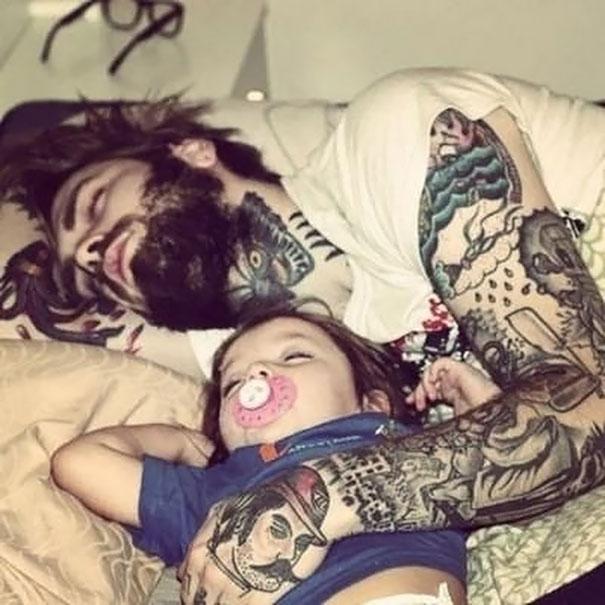 family-tattooed-parents-children-20
