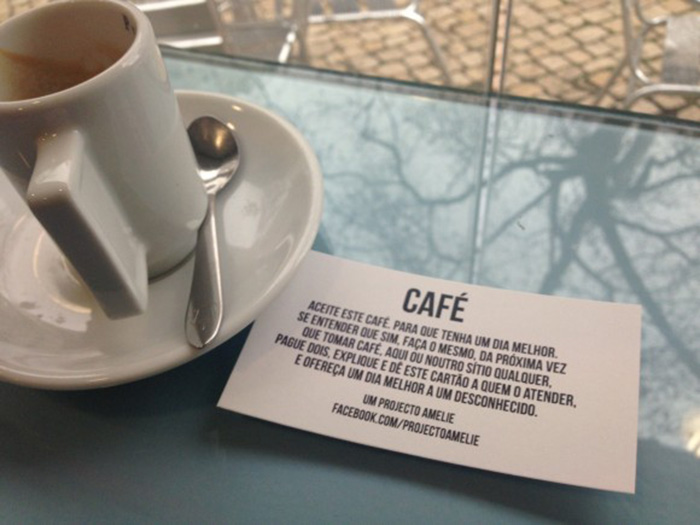 Projeto leva palavras de gentileza a desconhecidos em locais públicos 3