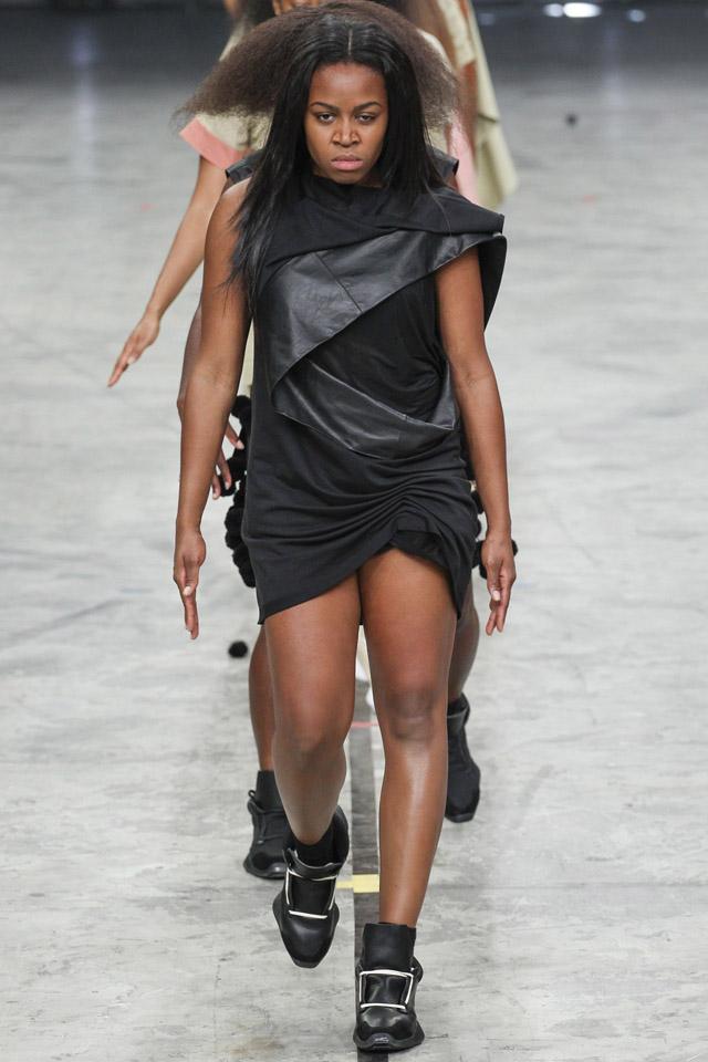 rick-owens-spring-2014-paris-fashion-week-11