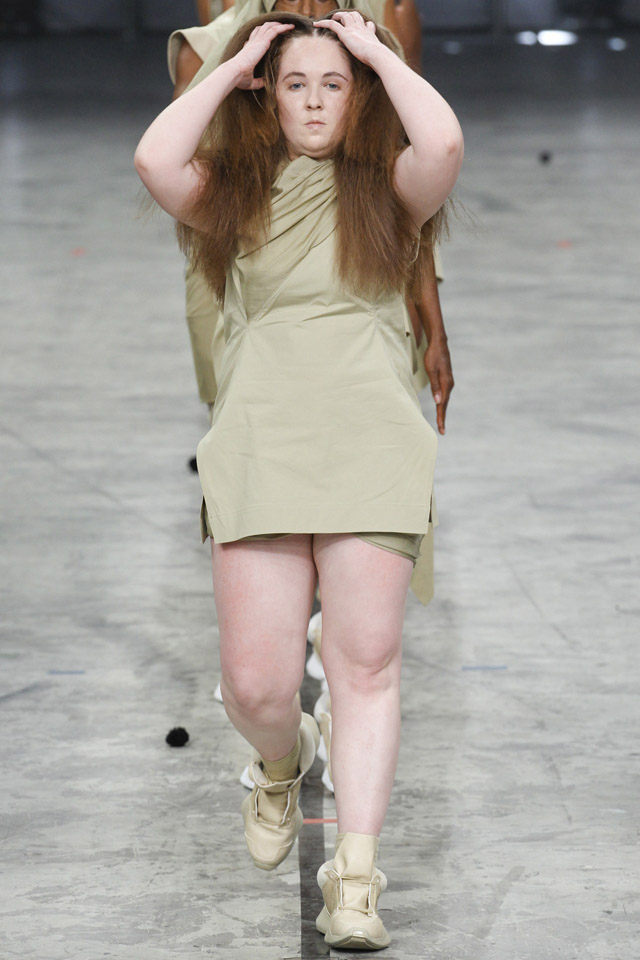 rick-owens-spring-2014-paris-fashion-week-17