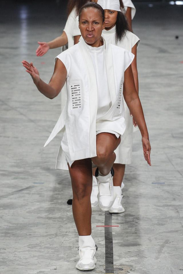 rick-owens-spring-2014-paris-fashion-week-34