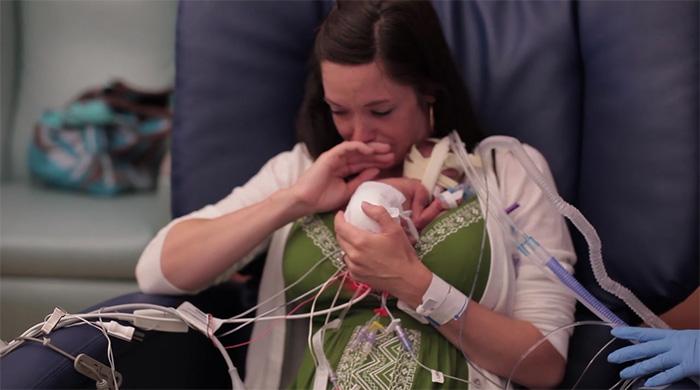 Pai filma todo o desenvolvimento de filho prematuro 1