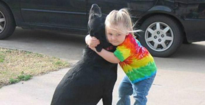 Menina escreve carta pedindo para Deus tomar conta de sua cadelinha que morreu e 'recebe' resposta emocionante 2