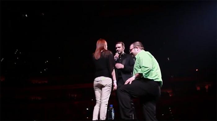 Justin Timberlake interrompe show para fã fazer pedido de casamento 3