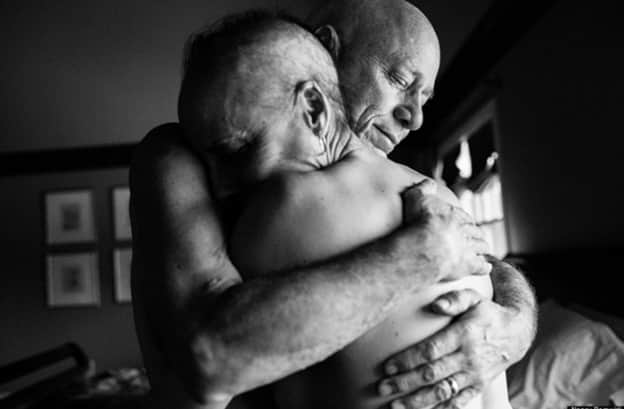 Filha fotografa imagens de amor e fragilidade de seus pais, que faziam tratamento juntos contra o câncer 4