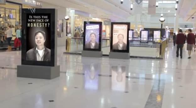 Ação homenageia consumidores que devolveram objeto perdido em shopping 2