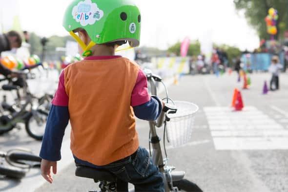 Paris tem sistema de compartilhamento de bikes para crianças  2