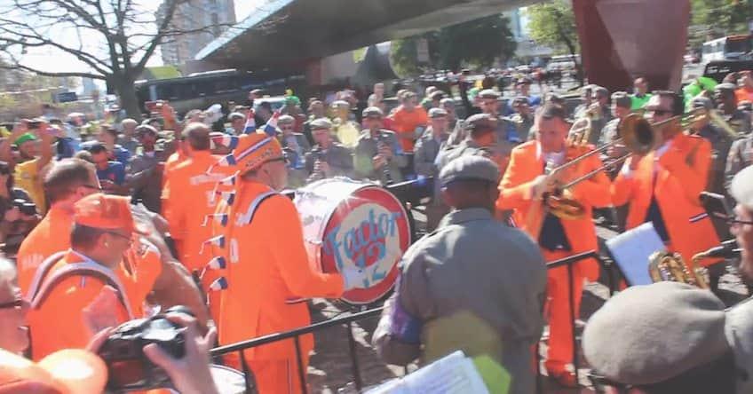 Banda holandesa toca junto com a Banda Militar de Porto Alegre 1