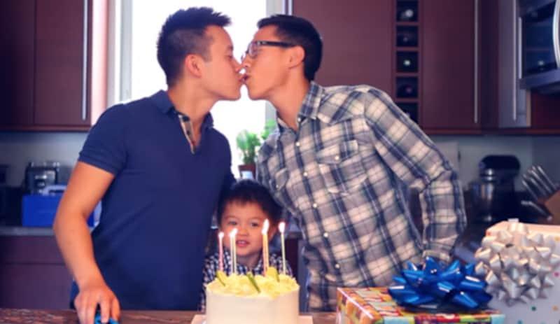 Cineasta faz homenagem emocionante para pais gays 2