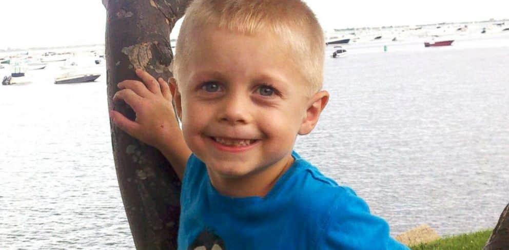 Diagnosticado com um raro tumor, garotinho de cinco anos recebe cartas de todas as partes do mundo 3