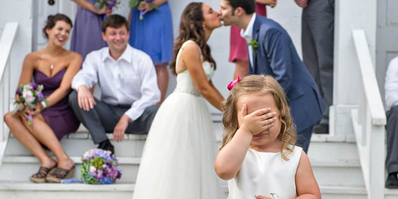 Esqueça as fotos típicas de casamento e aprecie o trabalho desse talentoso fotógrafo