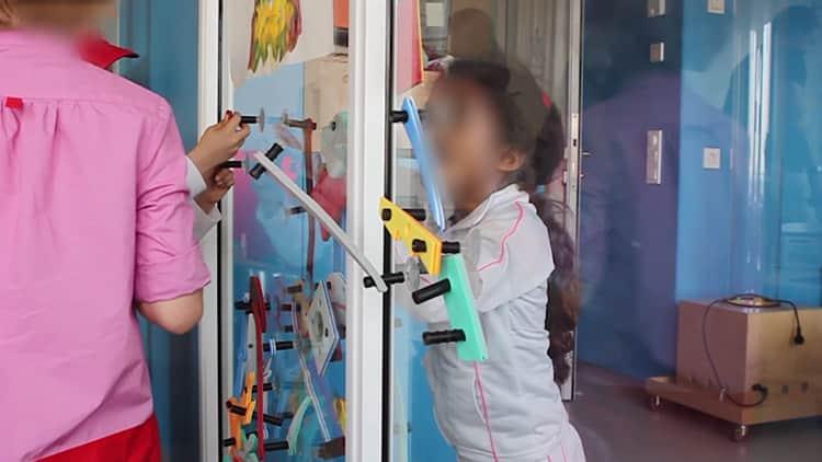 Um jogo que ajuda crianças em isolamento hospitalar a brincar umas com as outras 4