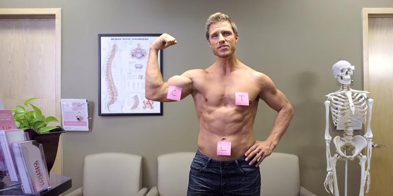 Campanha divertida mostra homens sensuais lembrando as mulheres sobre o auto-exame nas mamas