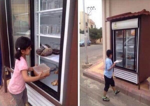 Homem instala geladeira na rua para incentivar doação de alimentos 3
