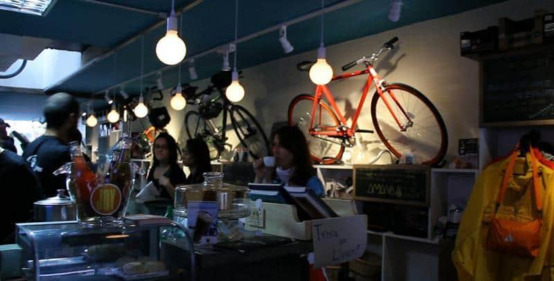 Café em SP fortalece a tendência de trabalhar de bicicleta com assistência aos ciclistas 1
