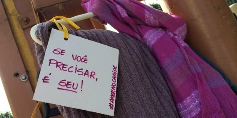 Projeto Amor no Cabide doa agasalhos no inverno em várias cidades