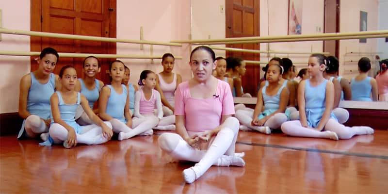 Bailarina surda cria técnica através da vibração do som e continua dançando 1