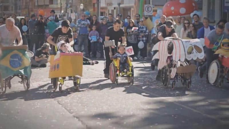 Evento da Corrida Maluca para crianças cadeirantes diverte a todos em POA há vários anos 2