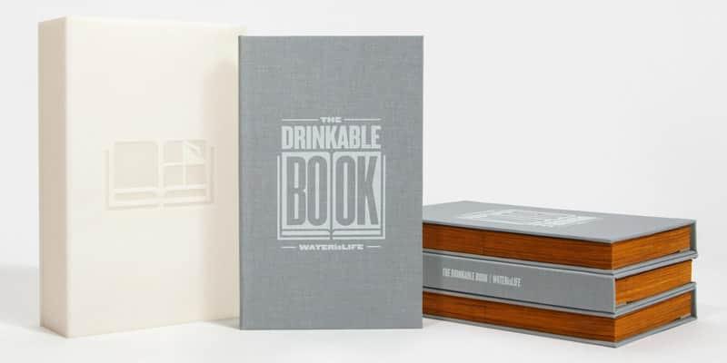Cada página desse livro é um filtro de água que elimina 99,9% de bactérias mortais 1